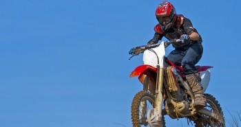 מתכננים טיול אופנועים בכבישי הארץ? אל תשכחו את הקסדה