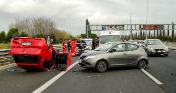 """3 פעולות שחשוב לעשות מיד לאחר תאונת דרכים בחו""""ל"""